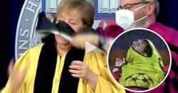 Enlace a Cachondeo mundial con el lío de Merkel al ponerse una toga en una universidad de EEUU, al estilo Messi