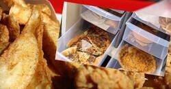 Enlace a Una mujer muestra una despensa llena de comida rápida que no se ha dañado con el paso de los años