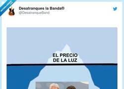 Enlace a Te a faltado el Titanic con forma de España, por @DesatranqueBand