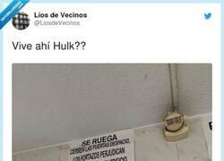 Enlace a Poner un cartel a la altura del techo, ya dice de quién vive alli, por @LiosdeVecinos