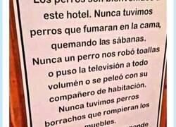 Enlace a El cartel que demuestra por qué los perros son mejores inquilinos que las personas en hoteles, por @perezreverte