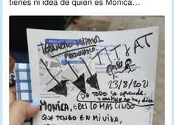 Enlace a Cuando te dejan esta nota en el coche y no tienes ni idea de quién es Mónica, por @LiosdeVecinos