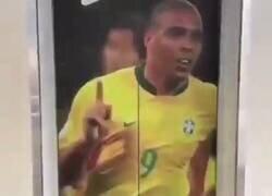 Enlace a A mí esto me ha pasado mucho, siendo yo Ronaldo, por @fenixzintas