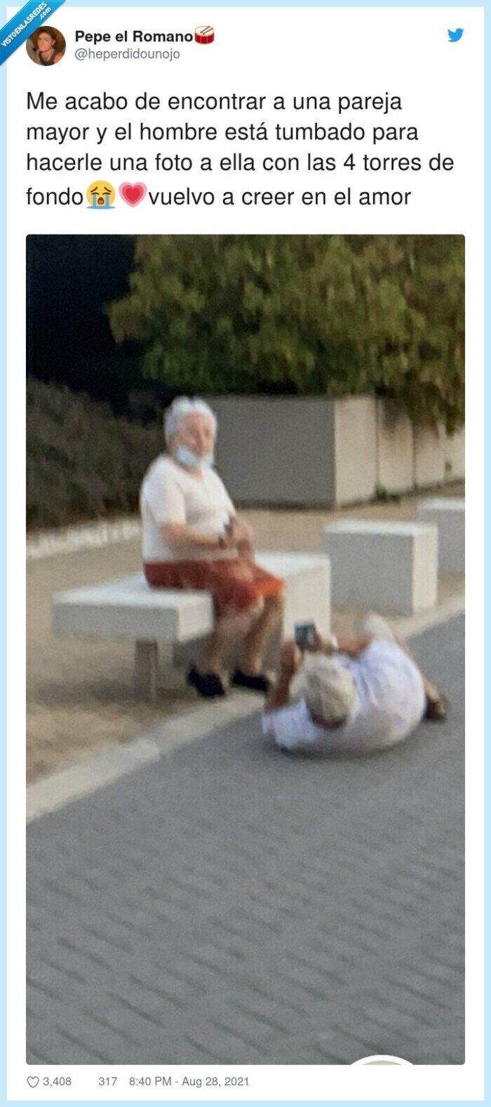 abuelos,en el suelo,foto,pareja