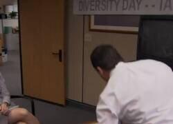 Enlace a La escena de The Office que ha sido censurada por Comedy Central, por @Kaplan_GV