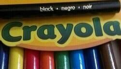 Enlace a Esta marca de lápices de colores lleva años siendo acusada de racismo por los estadounidenses porque malinterpretan una palabra en castellano, por @GringosOOC