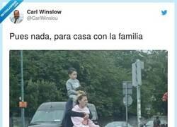Enlace a Viajar en familia versión extrema, por @CarlWinslou