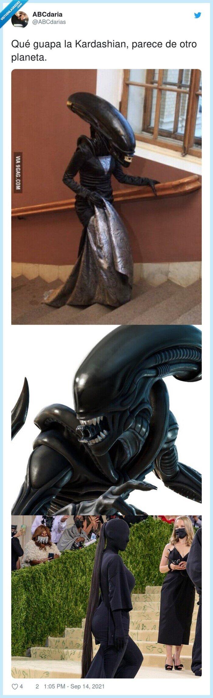 alien,gala,kardashian,met,planeta,tapada