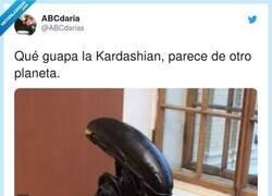 Enlace a Uf con el outfit de la Kardashian, por @ABCdarias