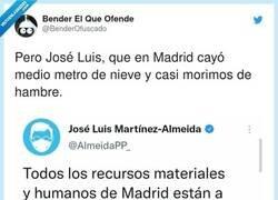 Enlace a Bueno, al menos no ha pedido la dimisión de Pedro Sánchez por la erupción del volcán, por @BenderOfuscado