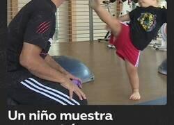 Enlace a Este niño no tiene 2 años y ya es esperto en taekwondo, por @ActualidadRT