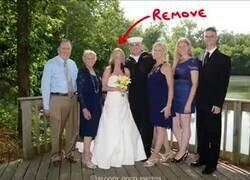 Enlace a Así es cómo puedes arreglar una foto de boda cuando te divorcias, por @SoloHazRT