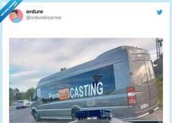 Enlace a Siga a esa furgoneta, por @ordurebizarree