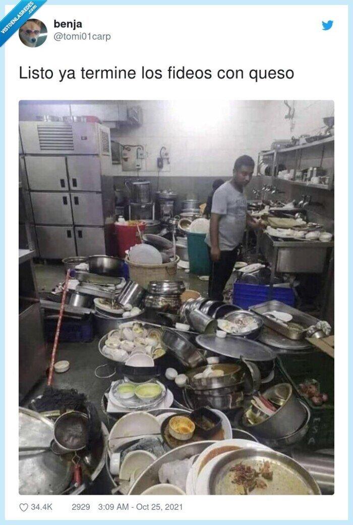 cocina,fideos,sucia,terminar,trastos