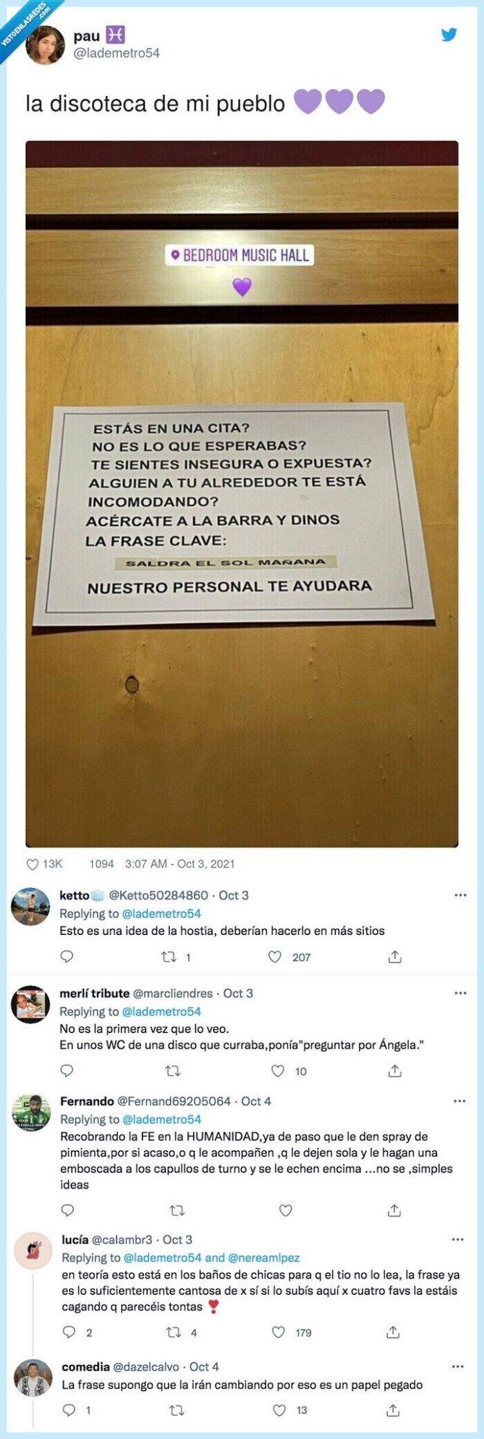 cartel,discoteca,pueblo,wc